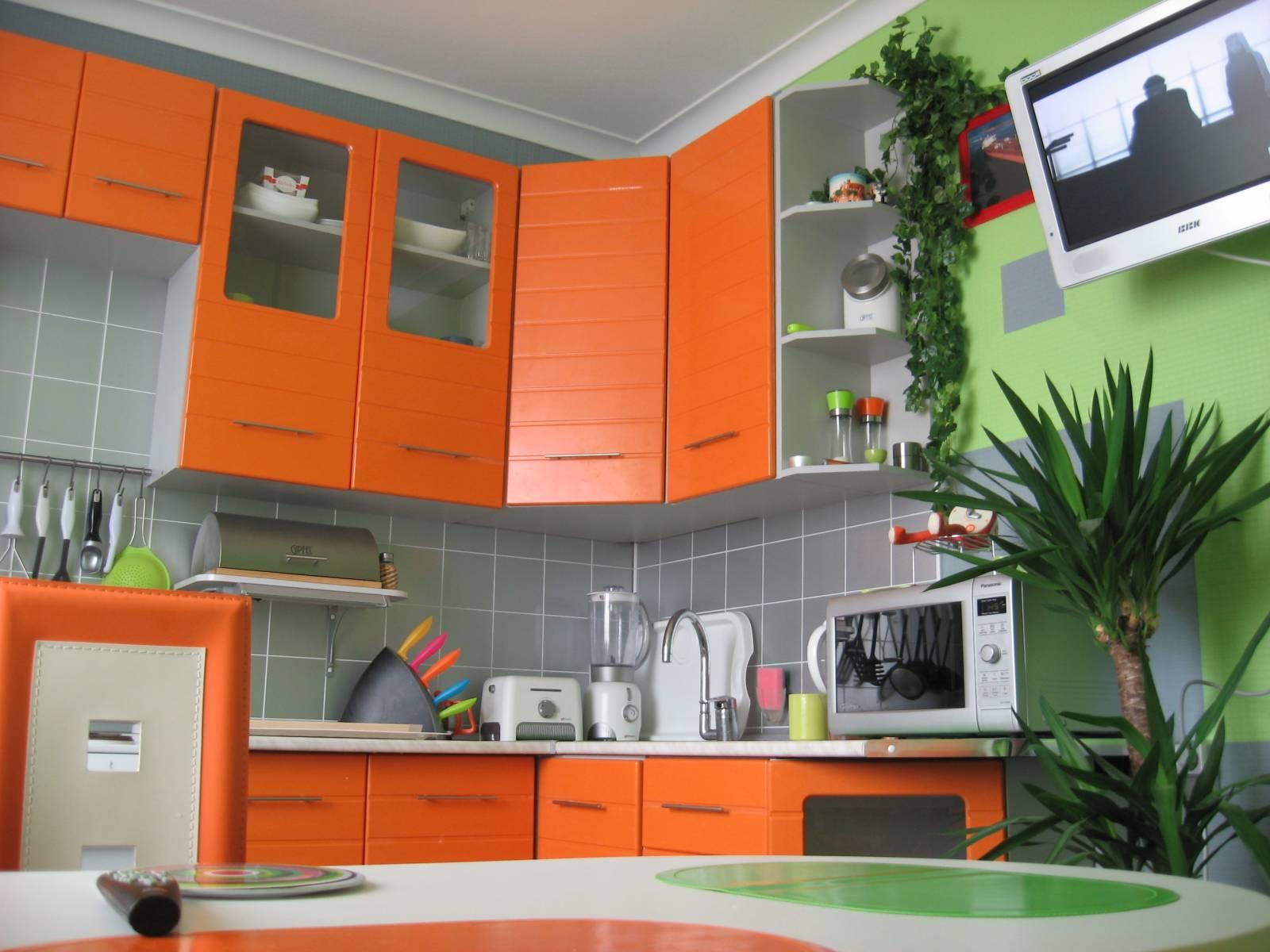 Навесные шкафы на кухню разнообразны