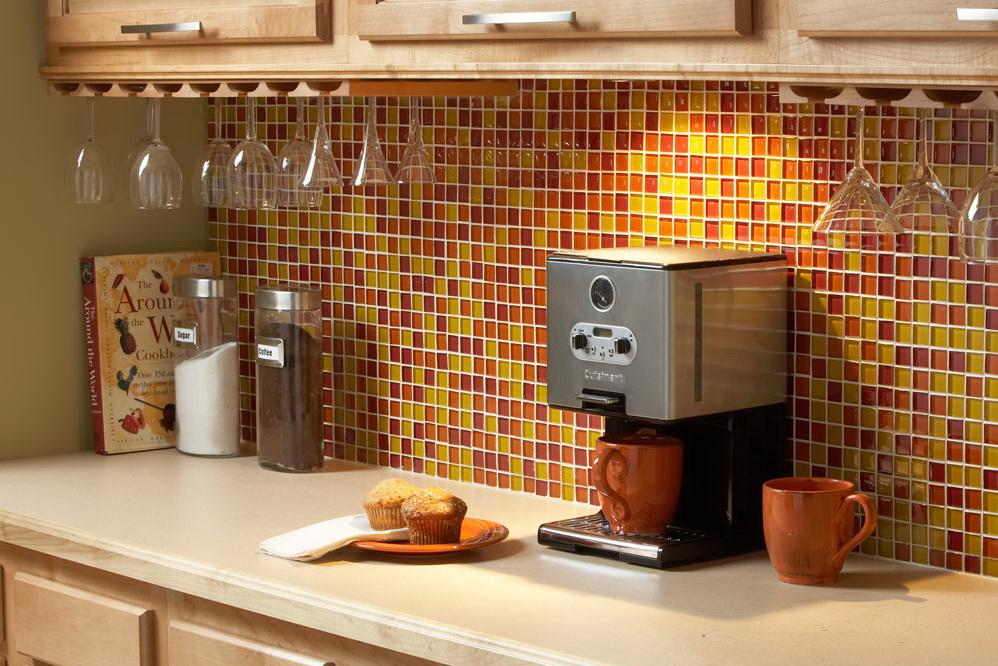 Правильно подобранная плитка подчеркнет интерьер вашей кухни