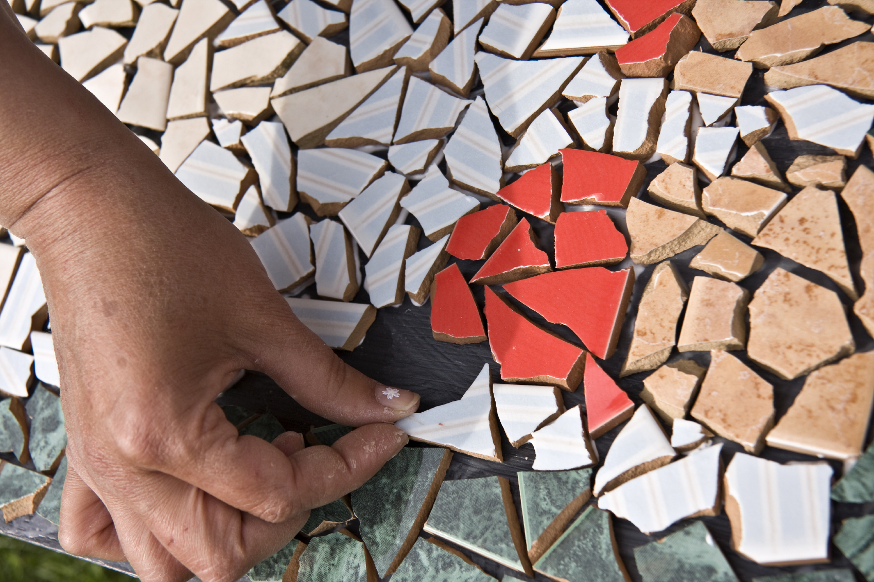 Мозаику всегда можно выложить и самостоятельно
