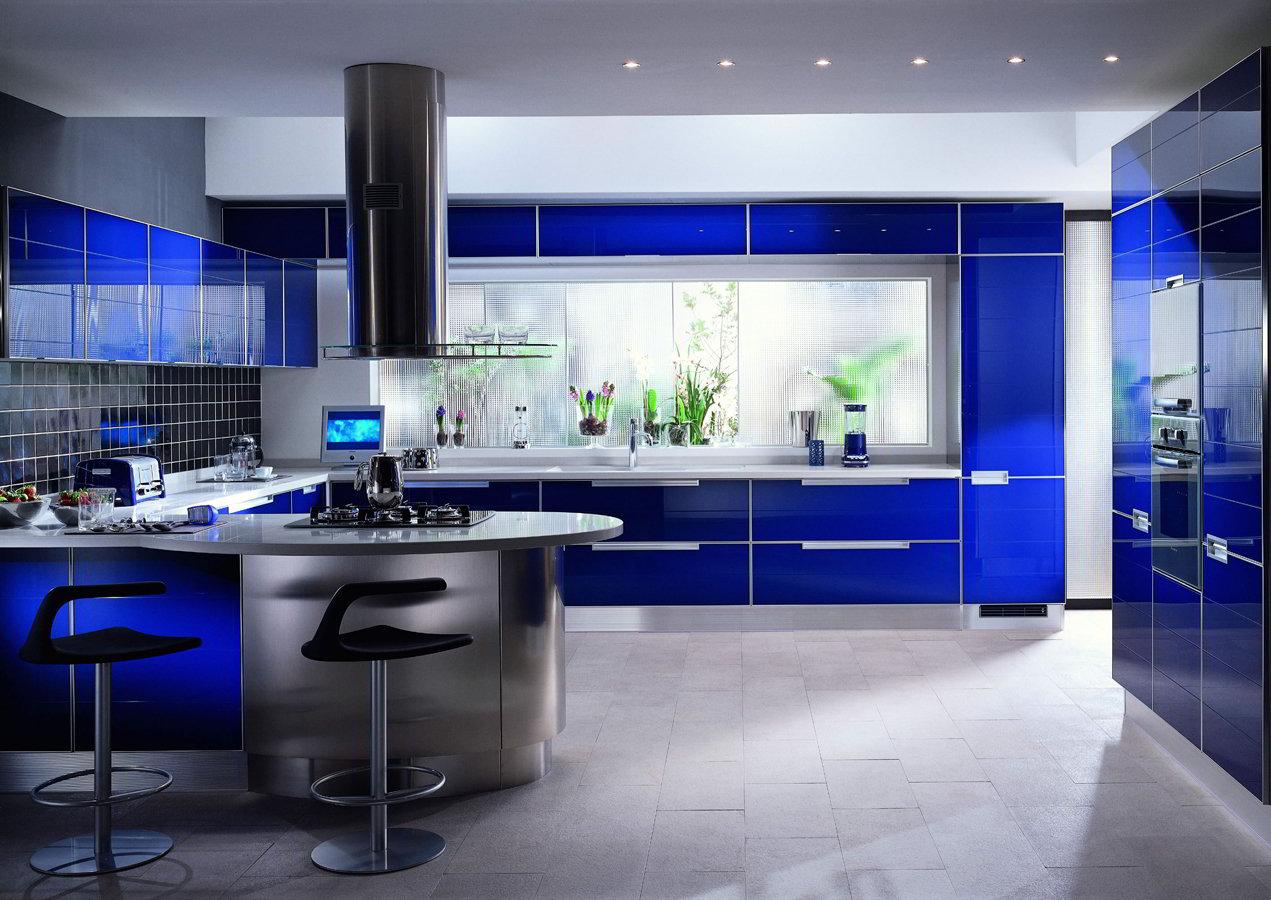 В кухне хай тек используются современные износостойкие материалы.