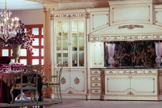 Настоящие кухни из Италии изготавливают из натуральных материалов.