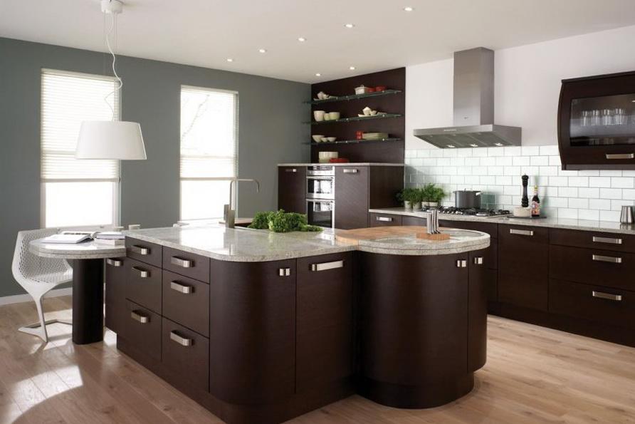 Гарнитур сделанный из дерева прекрасно дополнит вашу кухню