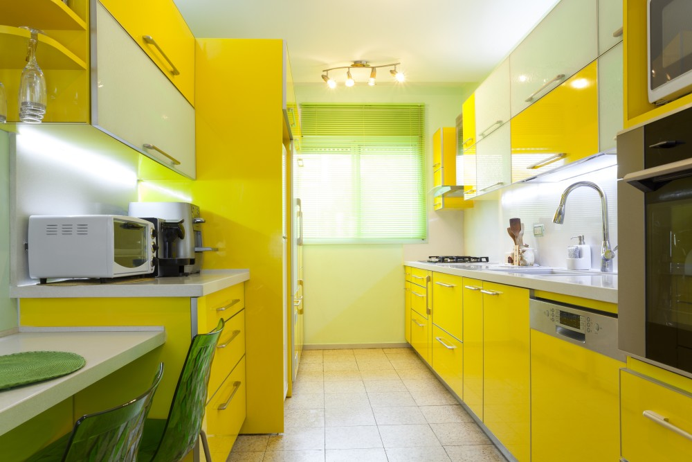 Яркие цвета придадут вашей кухне индивидуальности