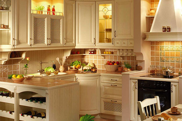 Для отделки кухни лучше использовать натуральные материалы.
