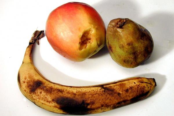 Не храните гниющие фрукты на кухне.