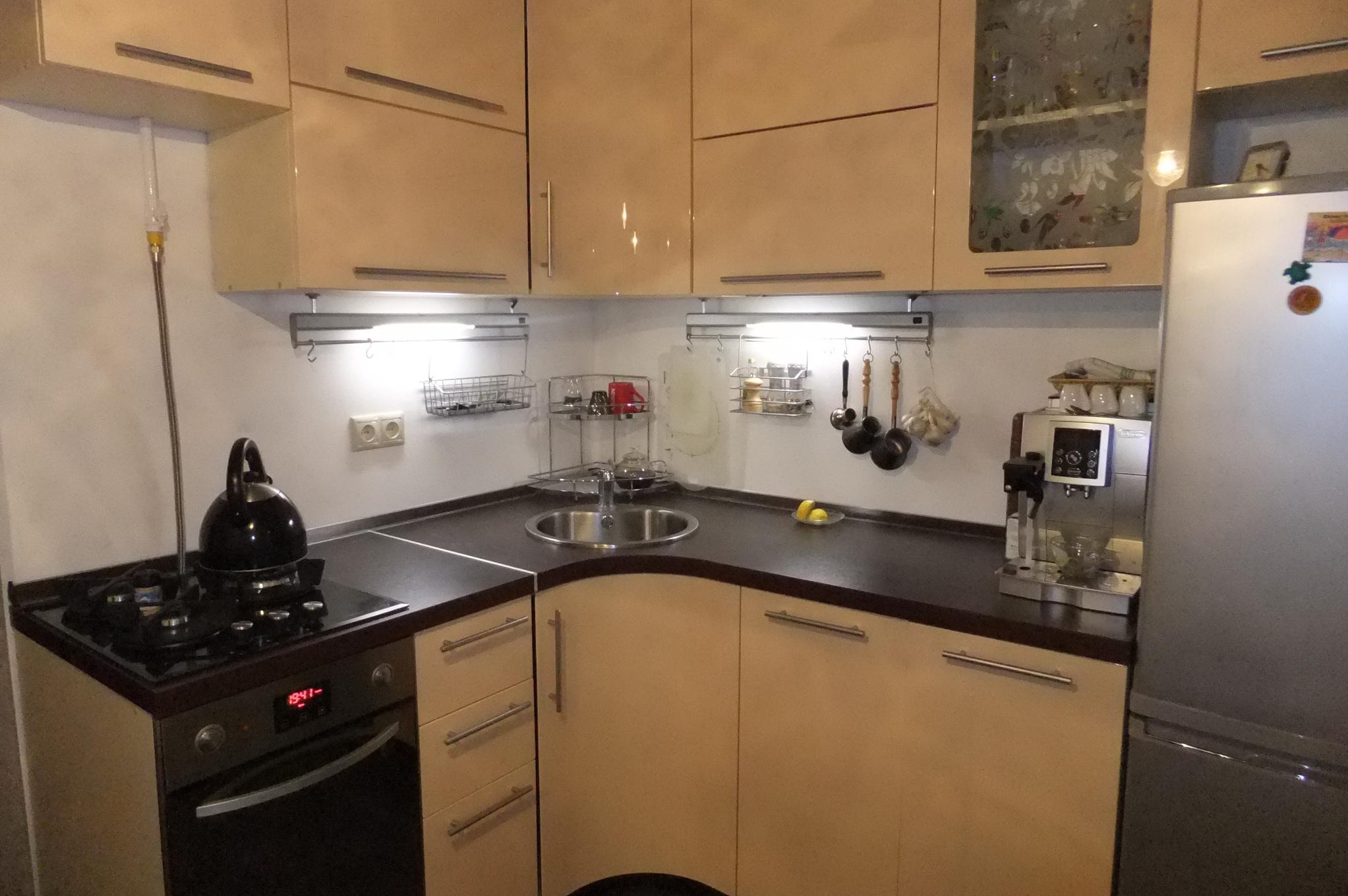 Современная кухня с ремонтом