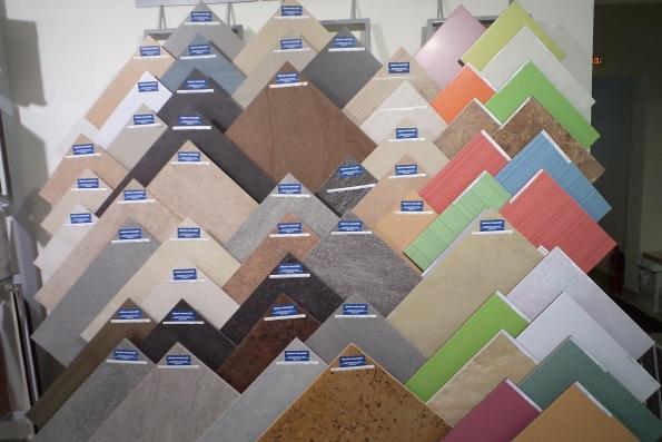 Сегодня можно приобрести плитку любой формы, размера и цвета