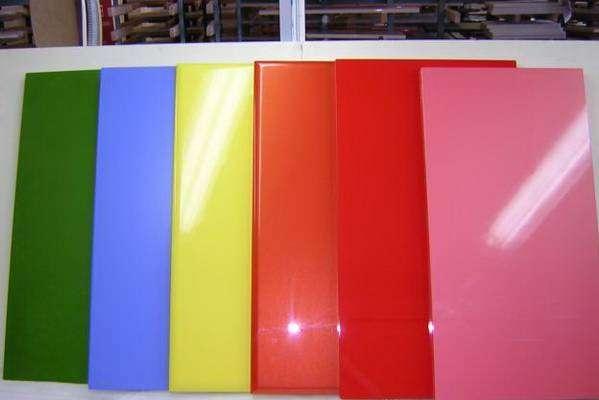 Акриловые фасады могут быть разнообразных цветов