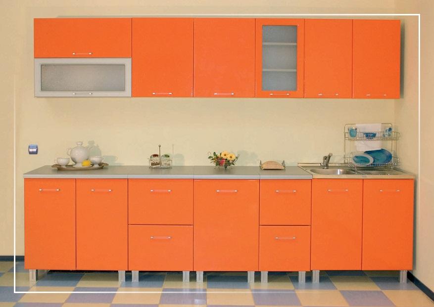 Классическая кухня с крашеными фасадами