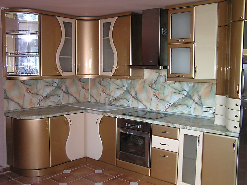 Кухня из МДФ с плавными фасадами