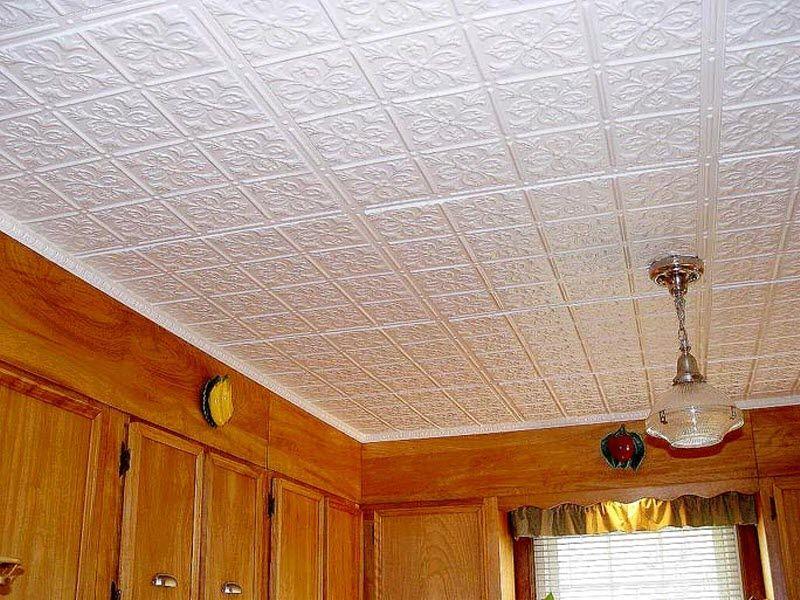 Полистироловая плитка на потолке