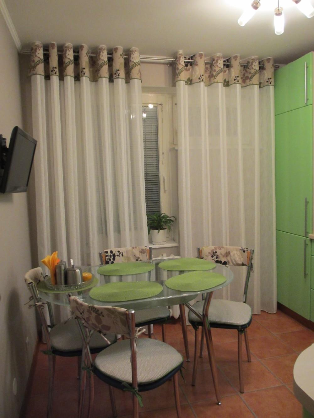 """Как выбрать кухонные шторы, советы по интерьеру """" kuhnyagid."""