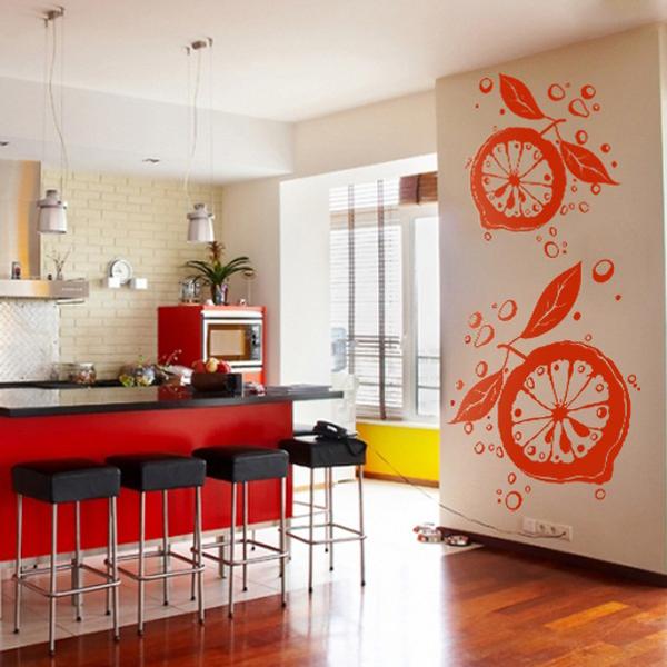 Декоративные виниловые наклейки органично вписываются в декор кухни