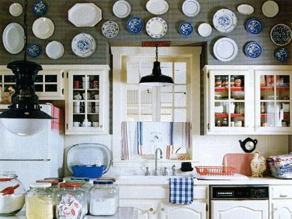 Посуда занимает важное место в декоре кухни