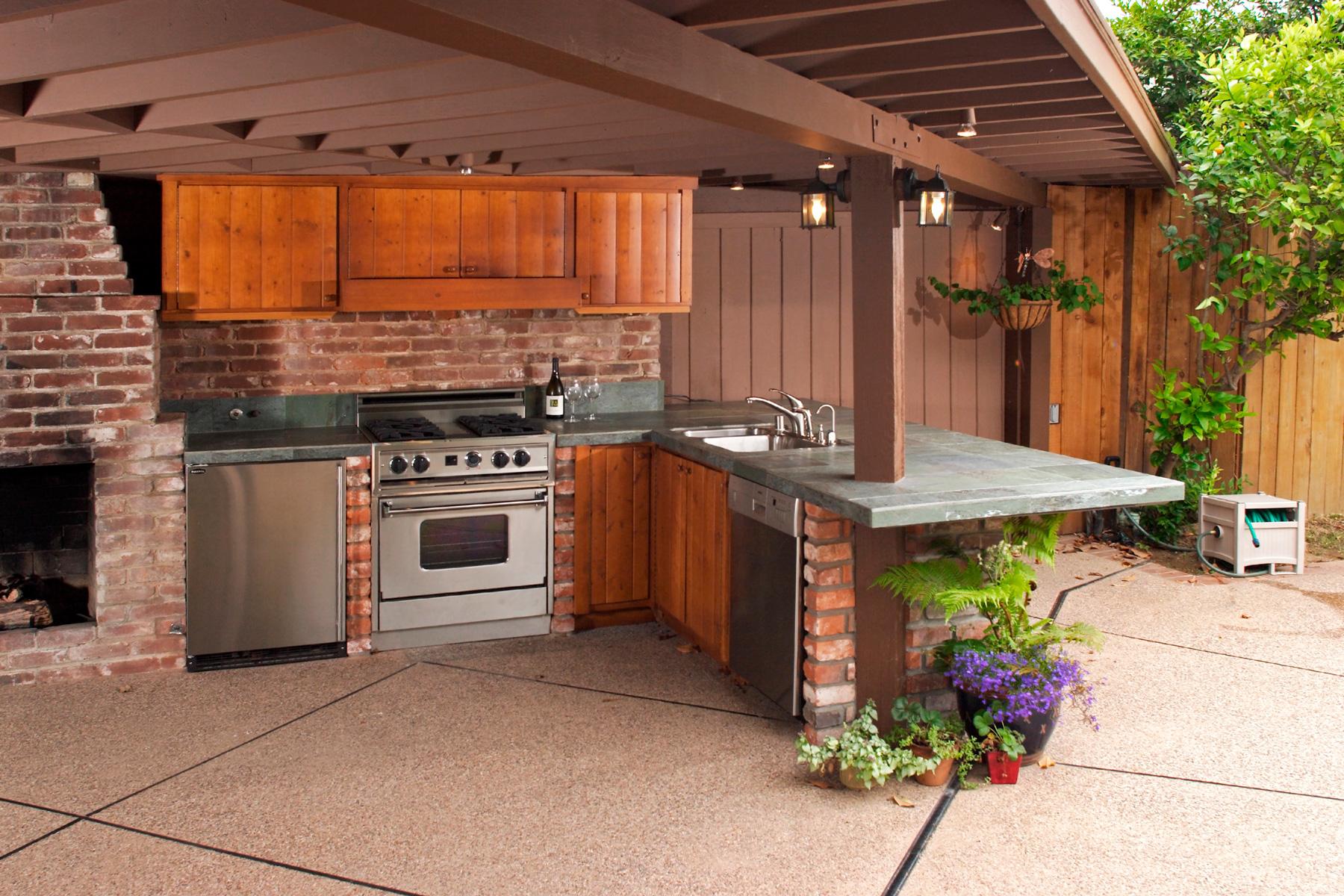 Летняя кухня для дачи своими руками
