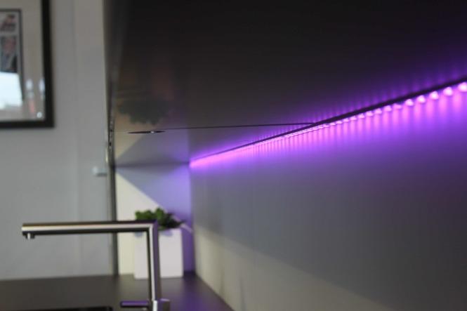 Подсветка может быть разных цветов