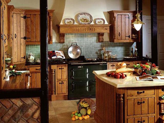Рабочая зона в большой кухне с островом