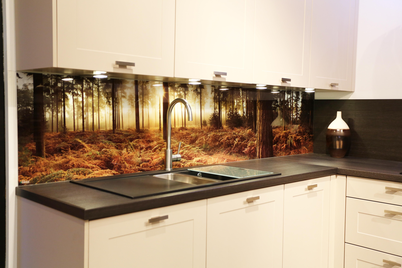 Фото-панели для кухни, выполненные с помощью стекла