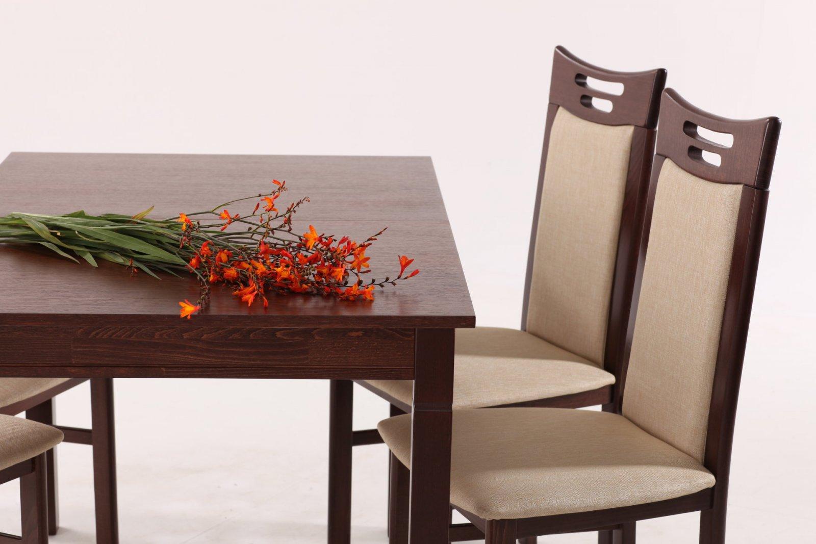Классические стулья из натуральных компонентов