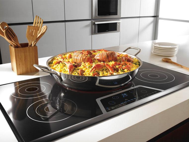 Печи, с эксклюзивными нотками в дизайне, отлично впишутся в любой стиль кухни.