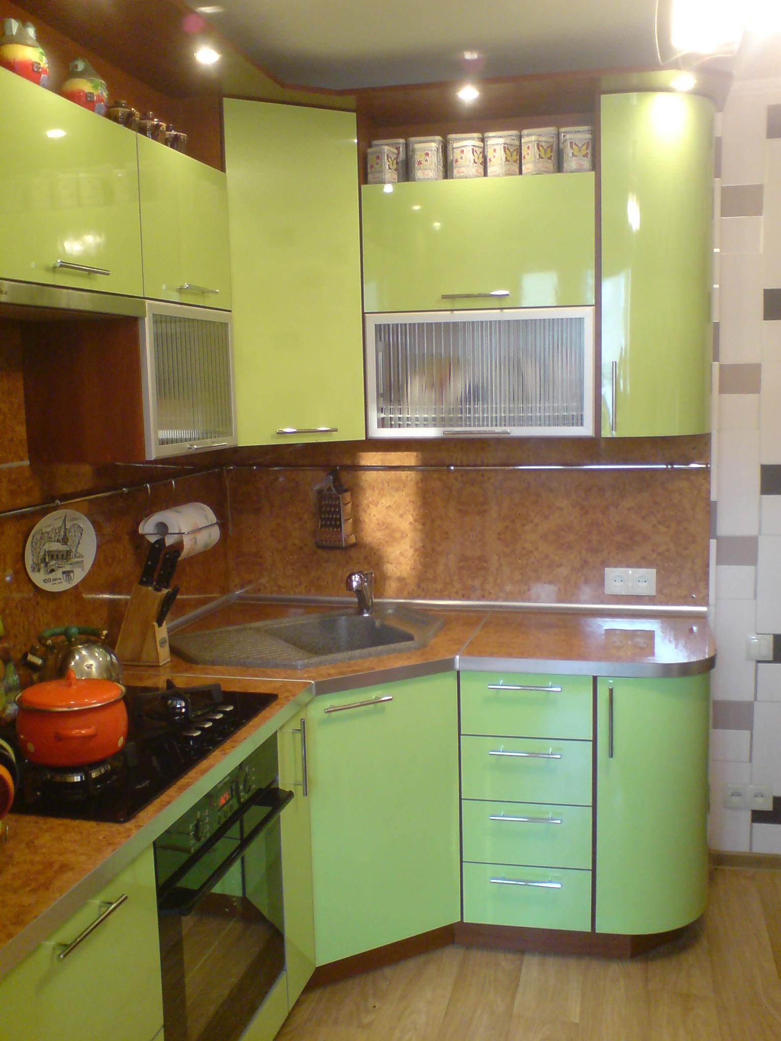 Кухонная малогабаритная мебель создаёт комфорт и формирует удобство