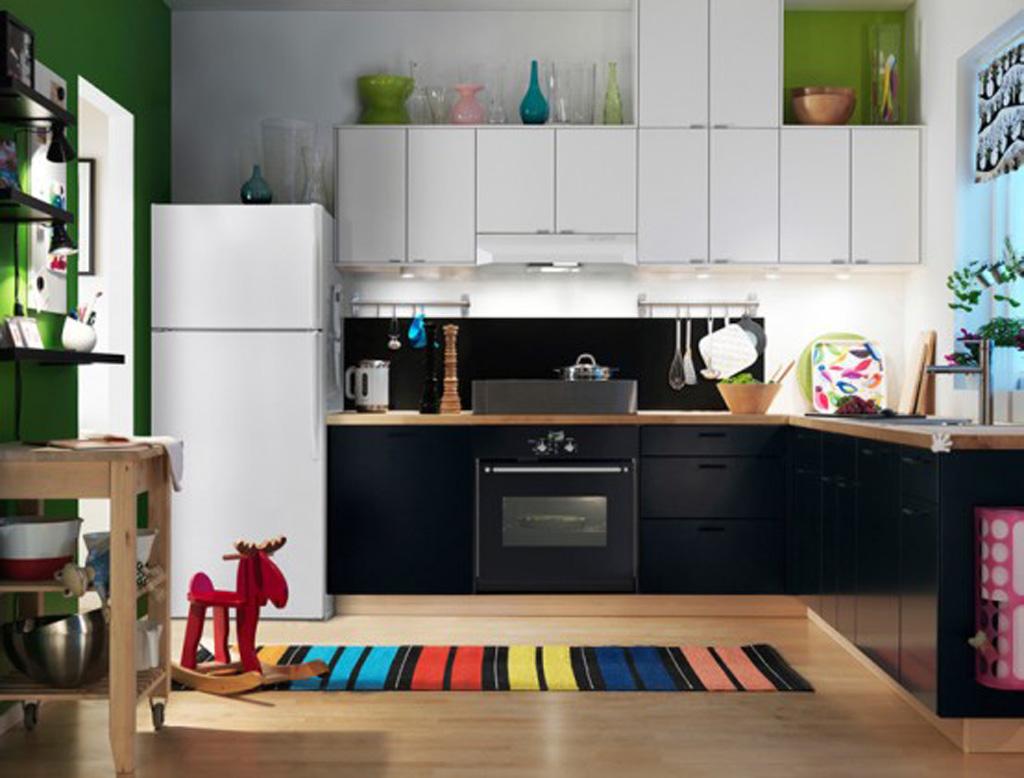Главное в дизайне кухни Икеа — сочетание функциональности и простоты.