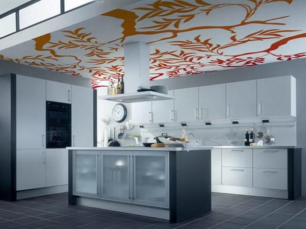 Напечатанный потолок смотрится стильно и современно