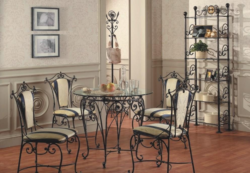 Этажерки из металла очень гармонично смотрятся в окружении схожей мебели