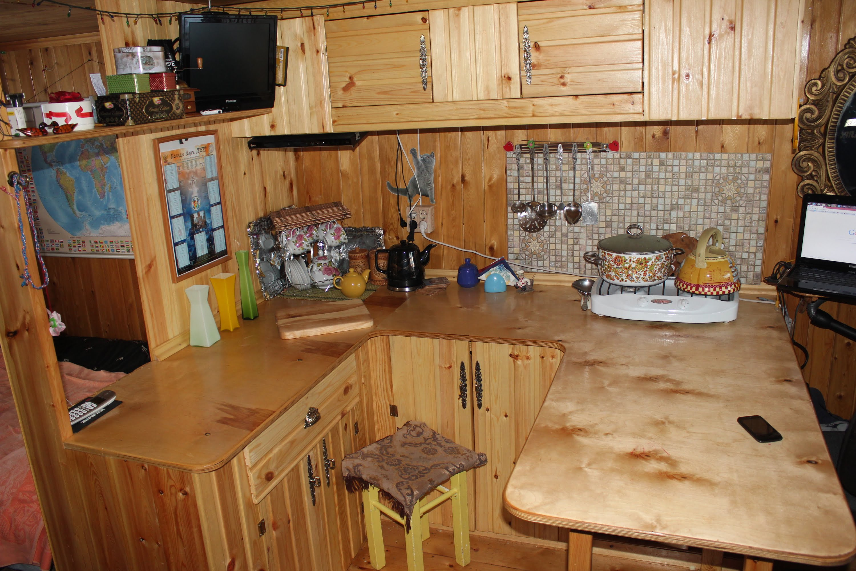 Кухонный гарнитур для дачи своими руками из дерева фото