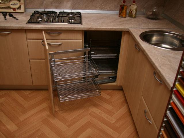 Волшебный уголок для угловой кухни