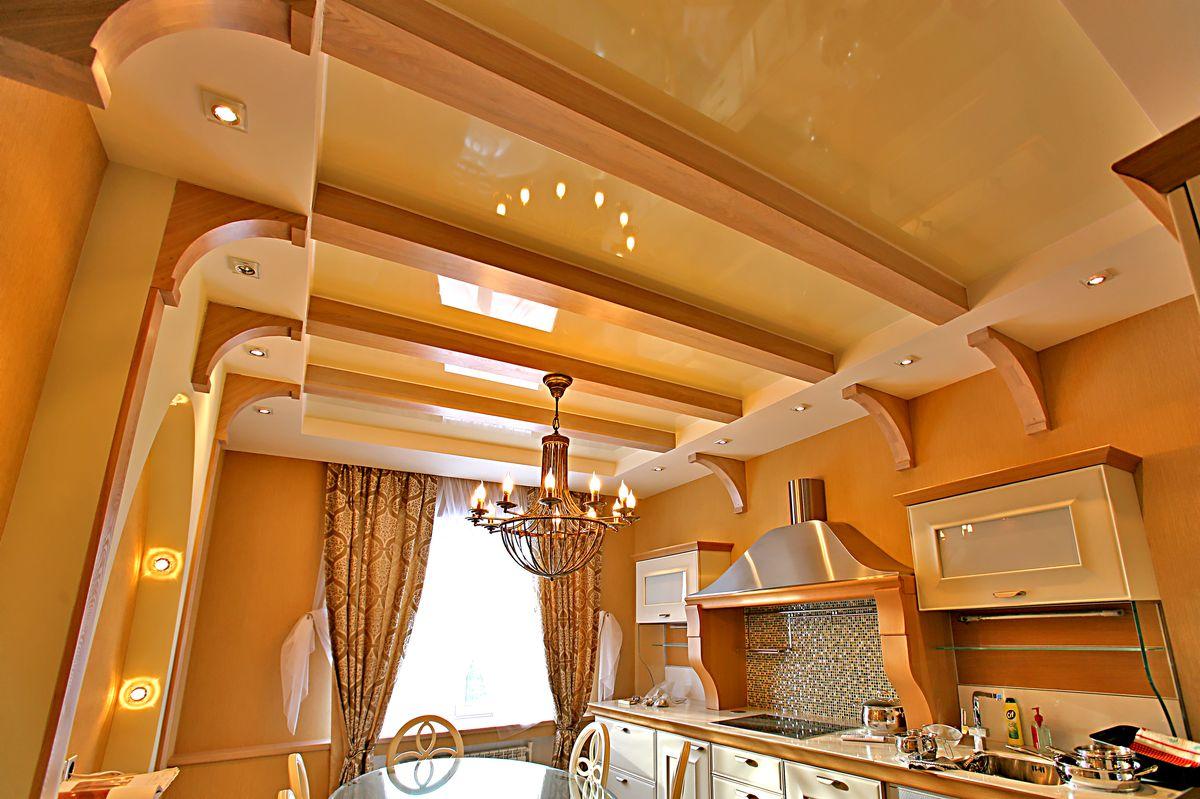 Чем отделать потолок в кухне в частном доме своими руками