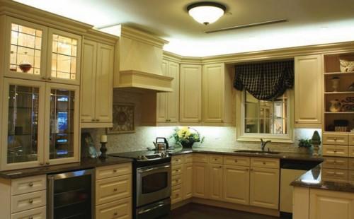 Верхнее освещение осветит вашу кухню в ночное время