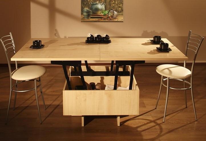 В разобранном виде стол максимально большой