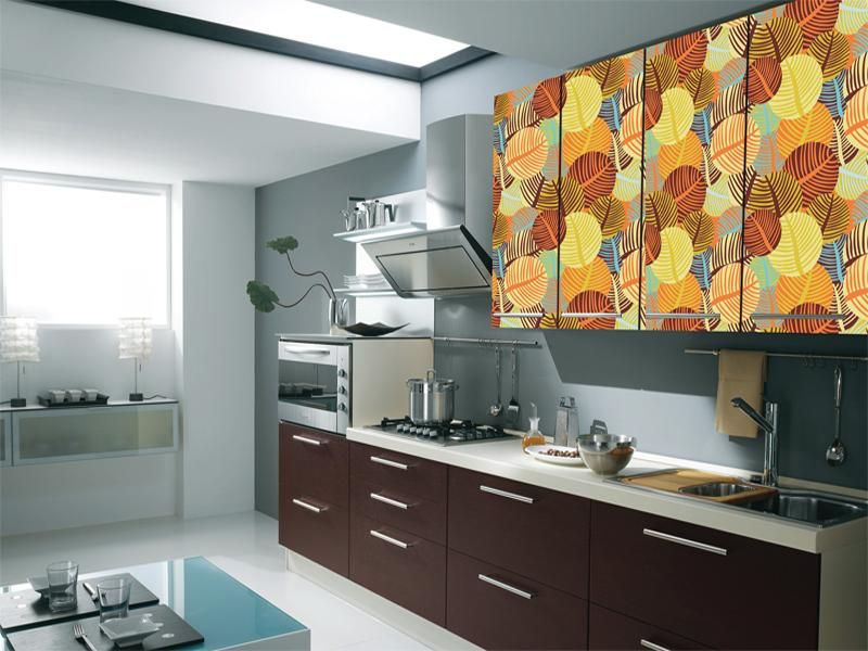 Самоклеящаяся пленка на кухонном гарнитуре
