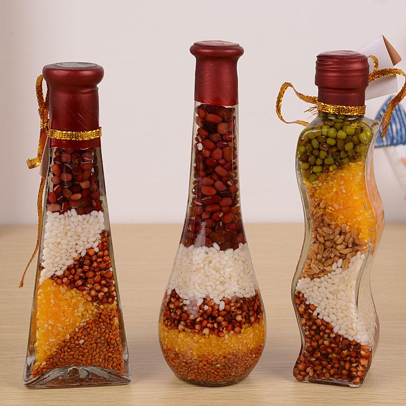 Декоративные бутылки - это украшение интерьера любой кухни