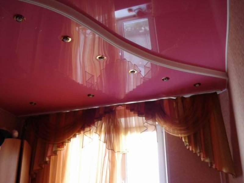 Натяжной потолок на кухню из ПВХ пленки