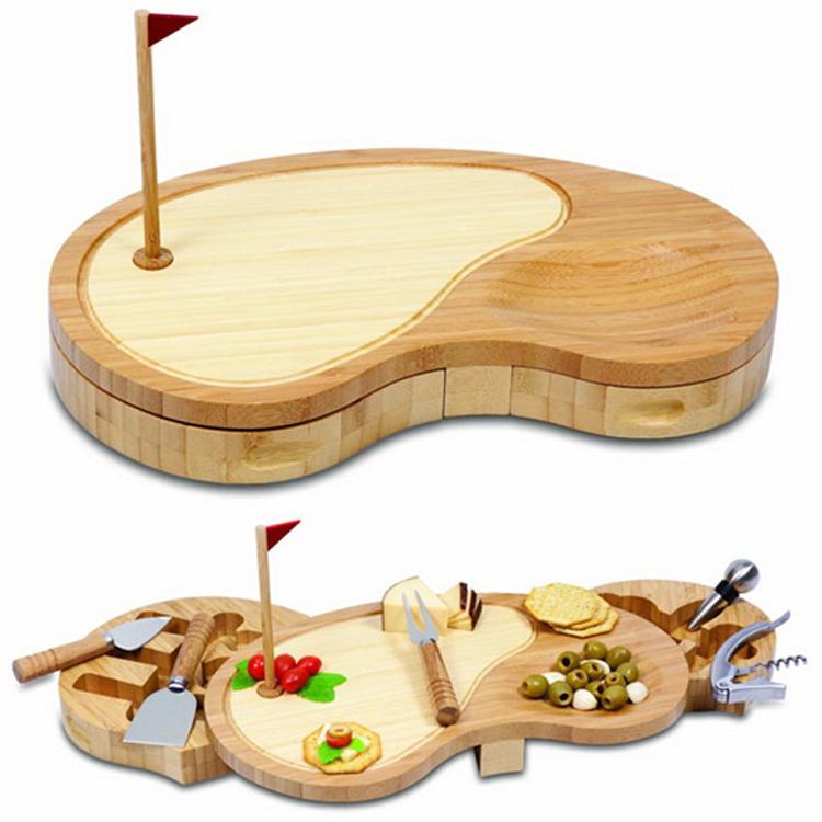 Разделочные доски для кухни традиционно изготавливались из дерева.