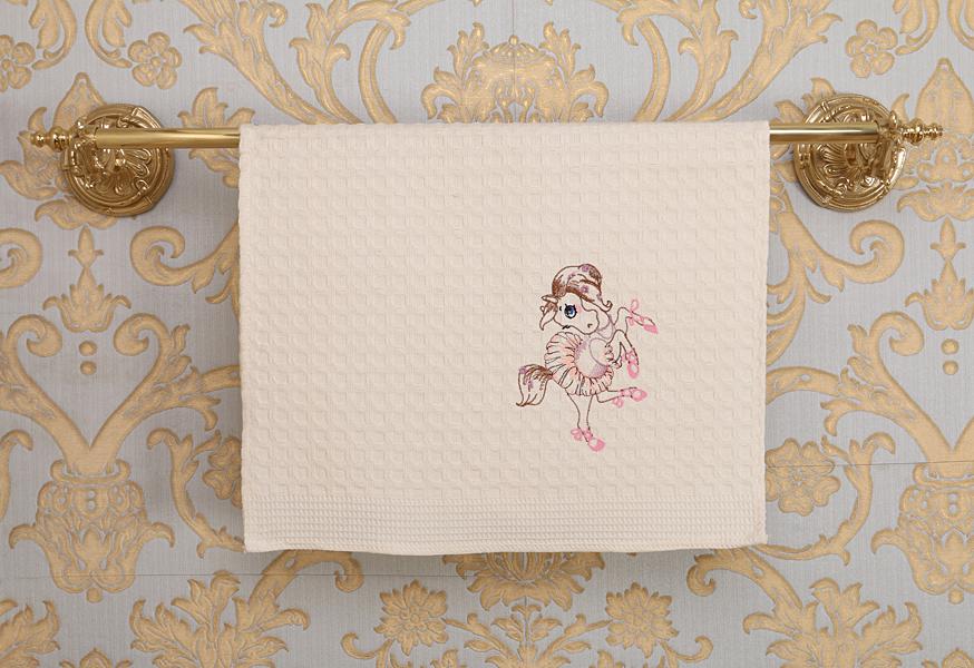 Кухонное полотенце – это залог чистых и сухих рук хозяйки.