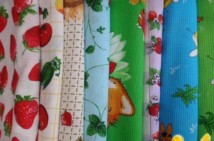 Вафельная ткань применяется для пошива полотенец и ее качество проверено временем.