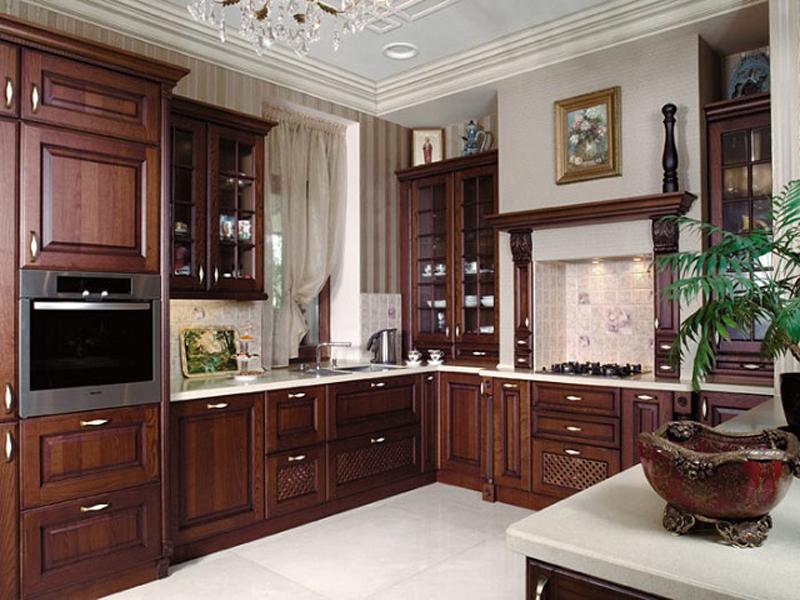 Темно-коричневый цвет в интерьере классической кухни