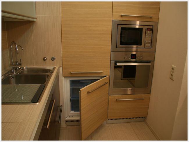 Кухни со встроенным холодильником фото