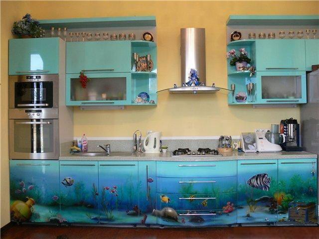 Кухонная мебель с изображением морских рыб