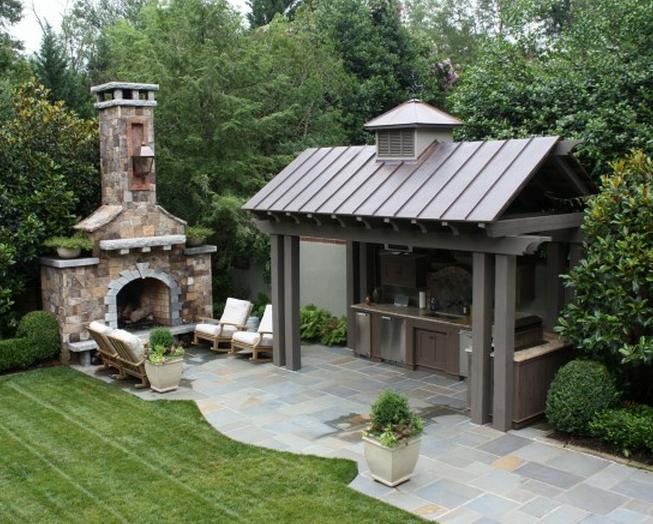 Летняя кухня с печкой – идеальное место для отдыха