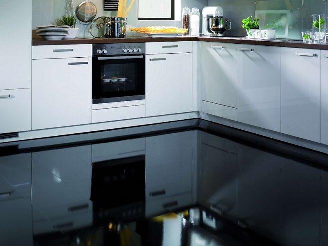 Классический наливной пол на кухне