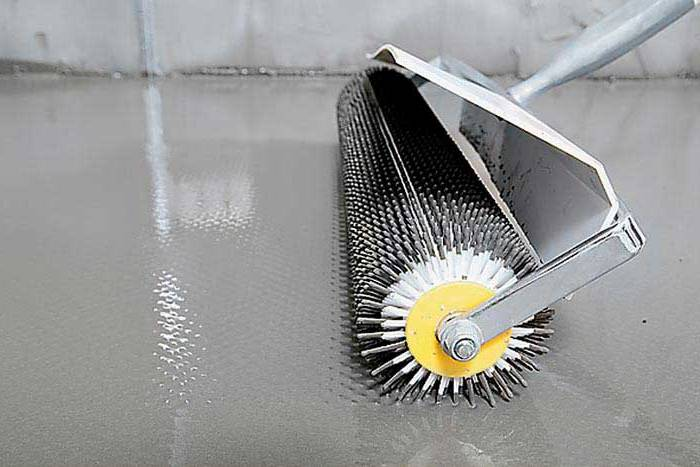 Специальный инструмент для удаления воздуха - игольчатый валик