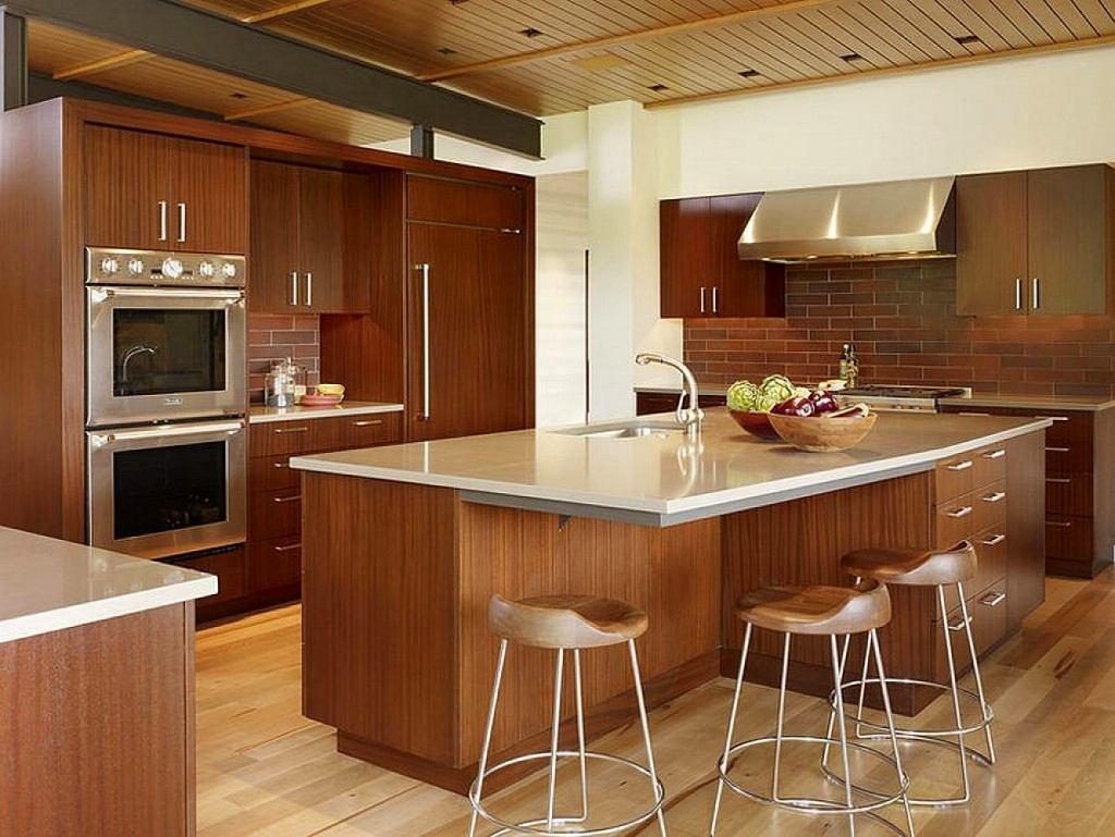 Островная кухня – идеальное решение для крупных помещений