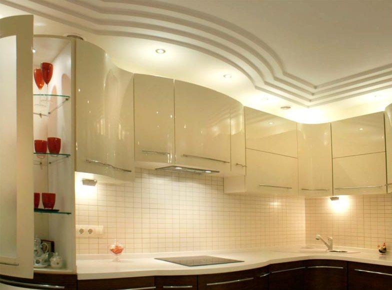 Гипсокартон позволит создать фигурные элементы на потолке