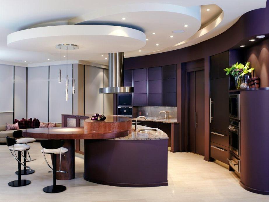 Декоративные элементы потолка преобразят вашу кухню