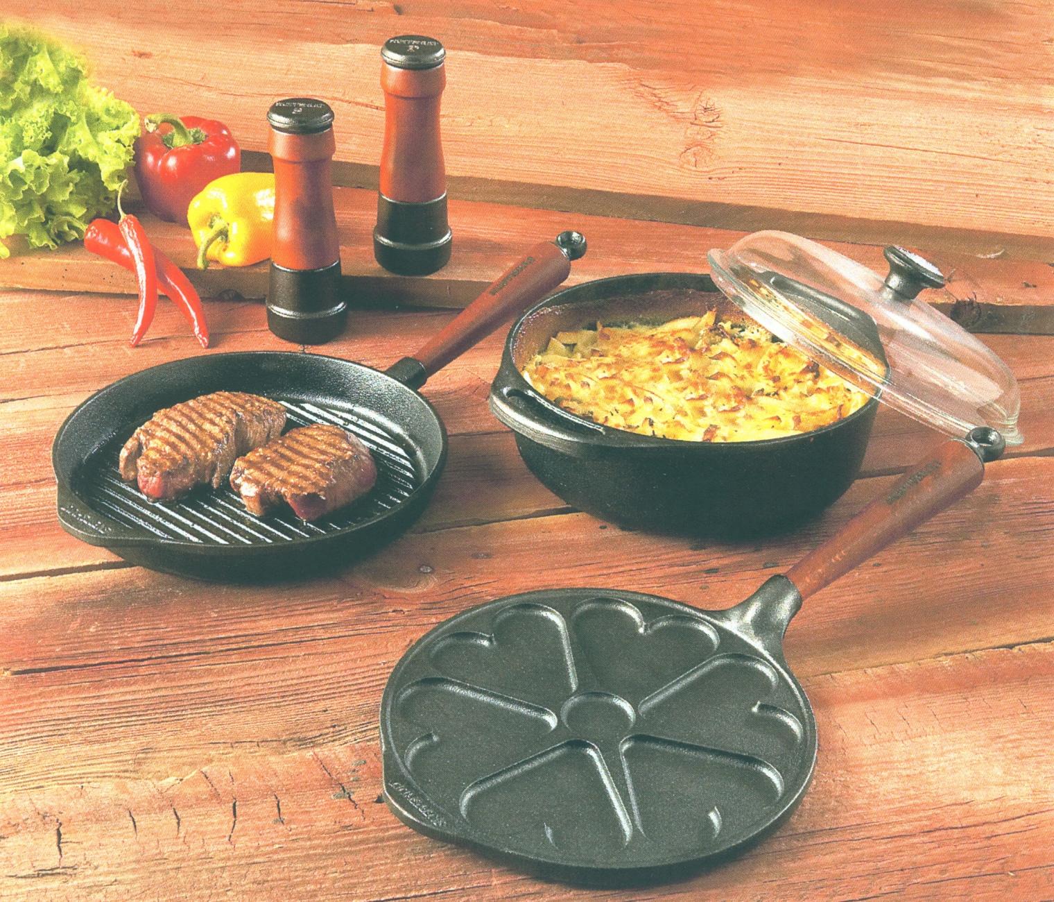 Сковорода и казан незаменимы на кухне