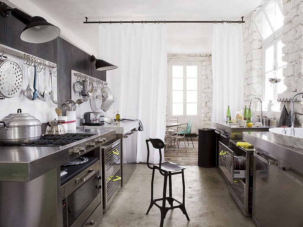 Мебель на кухне в серых тонах